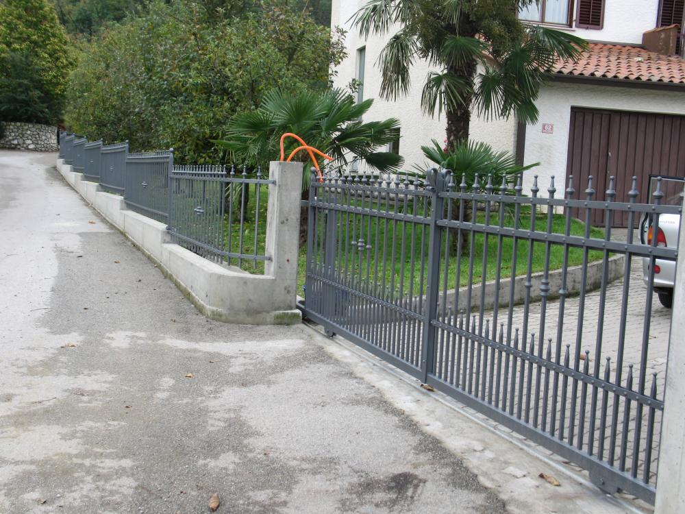 Recinzioni In Ferro Per Giardino.Recinzioni Per Giardini In Ferro Recinzione Da Giardino A Sbarre In